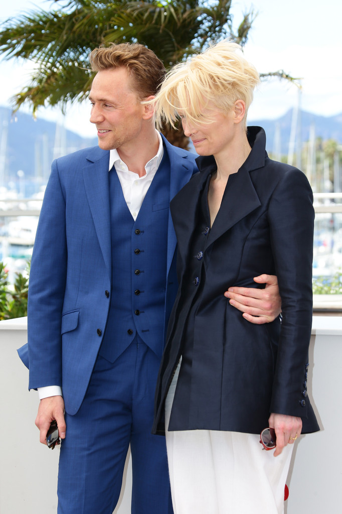 http://www3.pictures.zimbio.com/gi/Tom+Hiddleston+Only+Lovers+Left+Alive+Photo+ZNTkIGF8Nigx.jpg