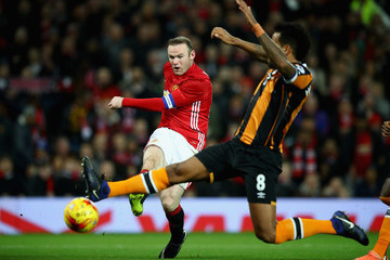 Tom Huddlestone Manchester United v Hull City - EFL Cup Semi-Final: First Leg