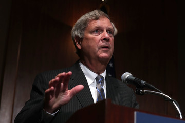 Tom Vilsack Agriculture Sec'y Vilsack Hosts 'Hiring Our Heroes' Jobs Event in Washington