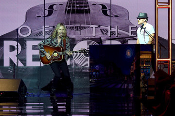 Tommy Shaw Music, Fashion Mix at Inaugural 'Off the Record Fashion Show