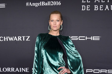 Toni Garrn Gabrielle's Angel Foundation For Cancer Research Hosts Angel Ball 2016 - Arrivals