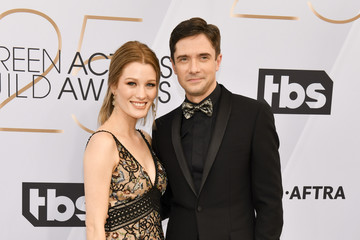 Topher Grace Ashley Hinshaw 25th Annual Screen ActorsGuild Awards - Arrivals