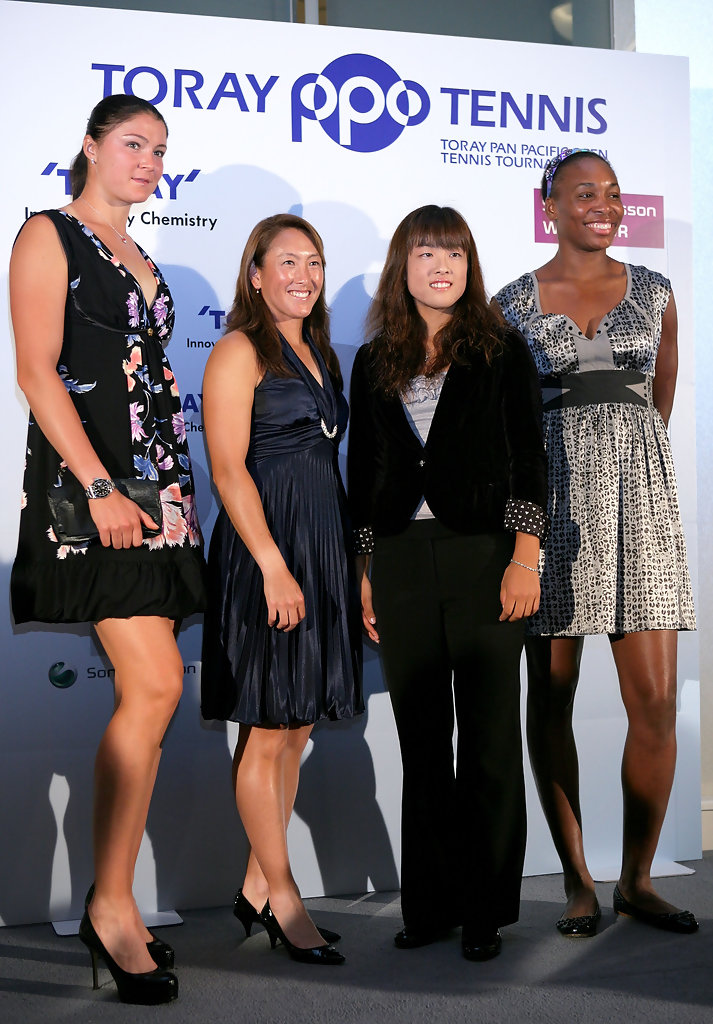 ¿Cuánto mide Dinara Safina? - Real height Toray+Pan+Pacific+Open+Press+Conference+TNn3zFmmHiEx