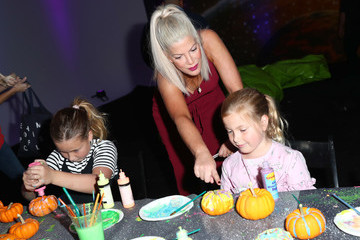 Tori Spelling The Elizabeth Glaser Pediatric AIDS Foundation's 28th Annual A Time for Heroes Family Festival