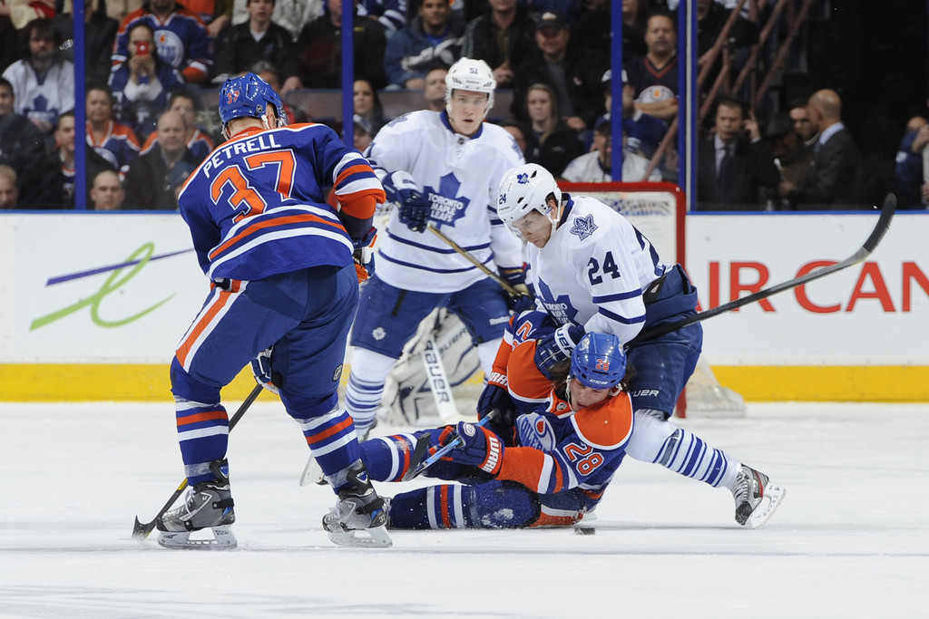 toronto maple leafs v edmonton oilers 2 of 10 zimbio. Black Bedroom Furniture Sets. Home Design Ideas