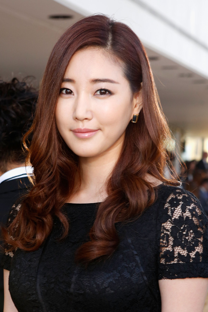 Kim Sa Rang Photos Photos Tory Burch Front Row