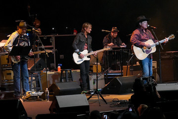 Tracy Lawrence All for the Hall - Show
