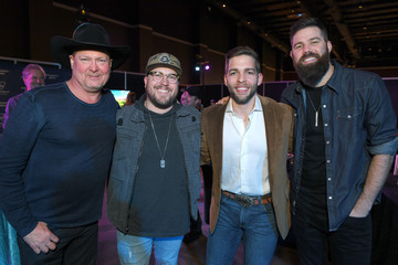 Tracy Lawrence ACM Lifting Lives®: Decades - Backstage