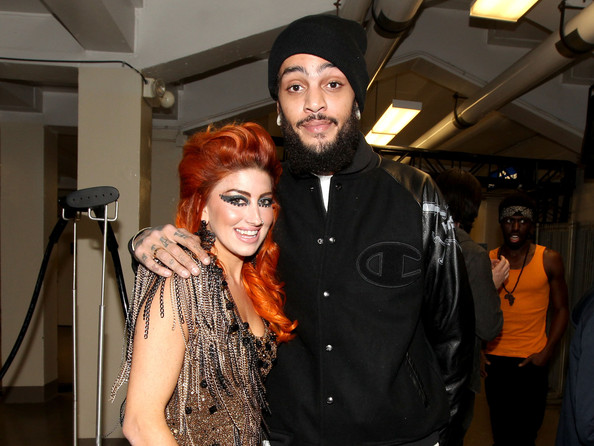 Travis mccoy dating neon hitch