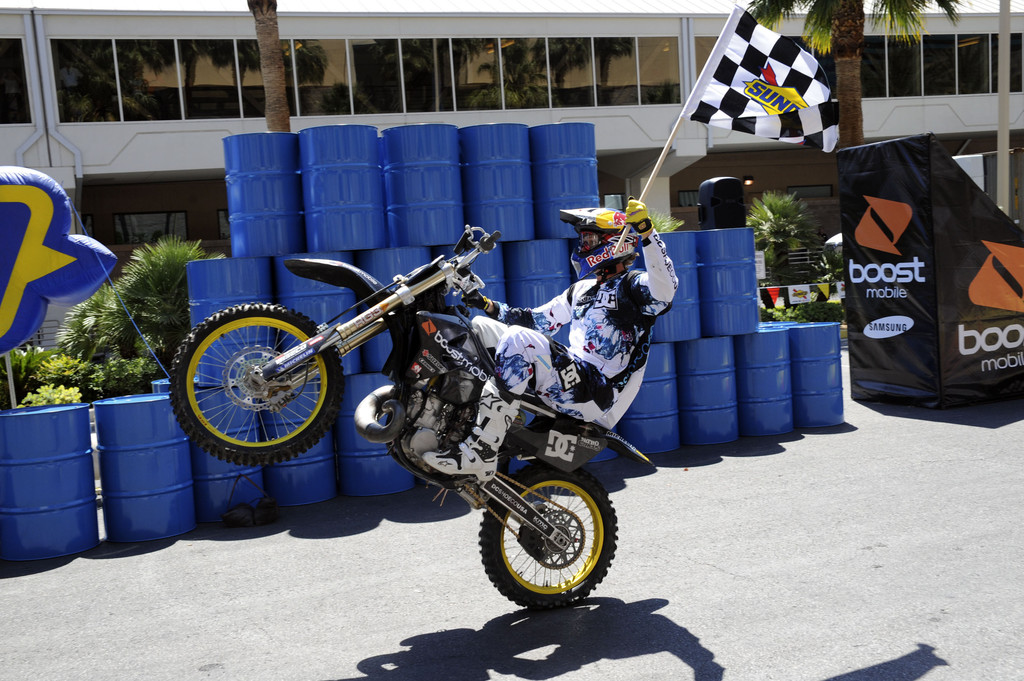 travis pastrana dating Travis pastrana's early life travis pastrana's net worth and endorsement of   he is renowned in the motorsports racing, earning many championships till date.