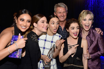 Troian Bellisario People's Choice Awards 2016 - Backstage and Audience