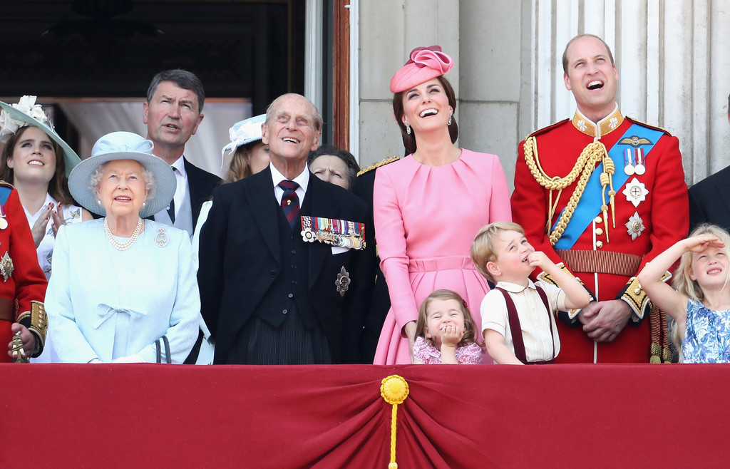 9d1082dee3c17 Kate Middleton and Queen Elizabeth II Photos Photos - Trooping the ...