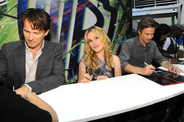 "Anna Paquin Sam Trammell ""True Blood"" Autograph Signing - Comic-Con 2010"