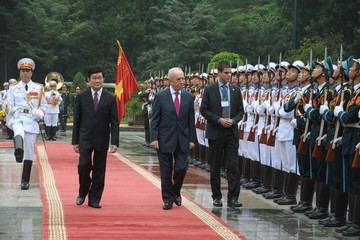 Truong Tan Sang Israeli President Peres On Official Visit To Vietnam