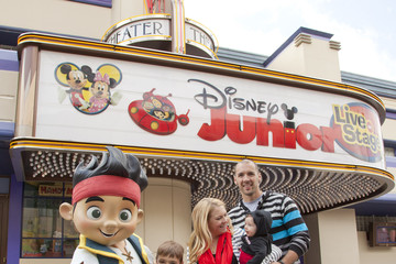 Tucker Wilkerson Melissa Joan Hart And Family At Disney Junior: Live On Stage!