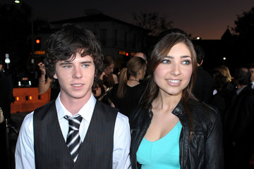 Charlie McDermott Pictures, Photos & Images - Zimbio