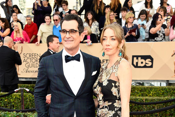 Ty Burrell Holly Burrell 22nd Annual Screen Actors Guild Awards - Arrivals