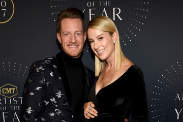 Tyler Hubbard Hayley Stommel 2017 CMT Artists of the Year - Arrivals