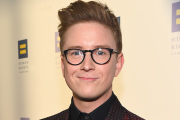 Tyler Oakley The Human Rights Campaign 2017 Los Angeles Gala Dinner - Red Carpet