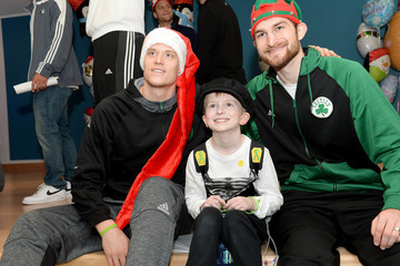 Tyler Zeller Celtics Visit Boston Children's Hospital for Crafting and Caroling with Patients
