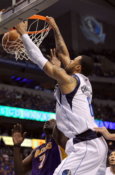 tyson chandler pictures los angeles lakers v dallas