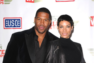 """Michael Strahan Nicole Murphy The USO Presents """"VH1 Divas Salute The Troops"""" - Media Room"""