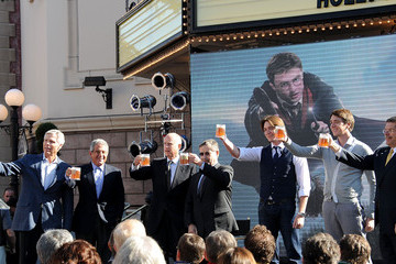 Ron Meyer Tom Williams Universal Studios Hollywood Hosts Butterbeer Toast!