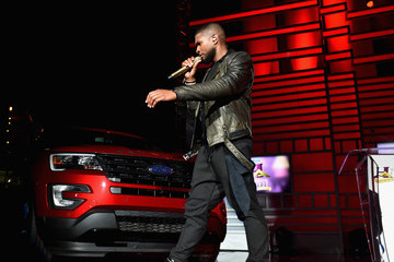 Usher 2015 Ford Neighborhood Awards Hosted by Steve Harvey