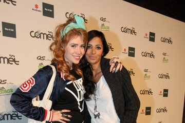 Photo of Collien Fernandes & her friend