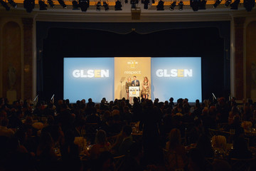 Val Weisler GLSEN Respect Awards - Los Angeles - Inside
