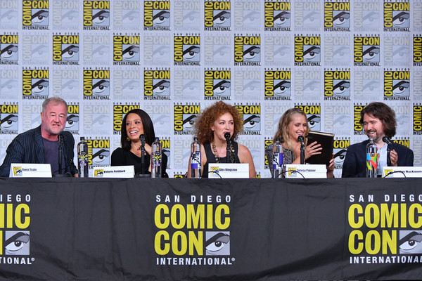 Comic-Con International 2018 - SYFY WIRE Hosts The Great Debate [a discovery of witches,yellow,event,news conference,photography,fiction,stage equipment,team,teresa palmer,lachlan mackinnon,alex kingston,valarie pettiford,owen teale,l-r,san diego convention center,comic-con international 2018 - syfy wire hosts the great debate,panel]