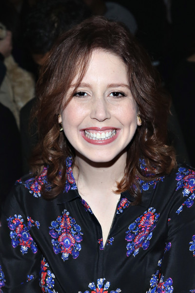 vanessa bayer miley cyrus