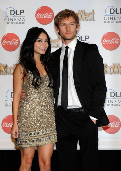 Alex Pettyfer and Vanessa Hudgens - ShoWest 2010 Awards Ceremony - Arrivals