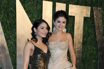 Vanessa Hudgens Selena Gomez 2013 Vanity Fair Oscar Party Hosted By Graydon Carter - Arrivals