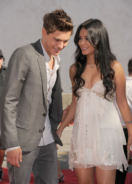 Vanessa Hudgens and Zac Efron   187  PhotostreamZac Efron And Vanessa Hudgens 2010