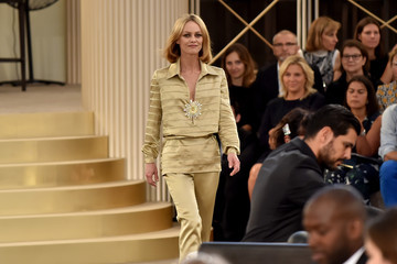 Vanessa Paradis Chanel : Runway - Paris Fashion Week - Haute Couture Fall/Winter 2015/2016