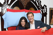 Lisa Oz and Mehmet Oz Photos Photo