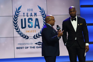 Vernon Davis Mike Tirico Team USA Awards