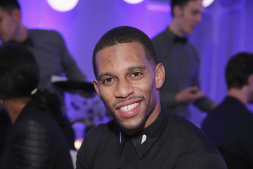 Victor Cruz Samsung Launches the Galaxy S 6 and Galaxy S 6 edge in New York