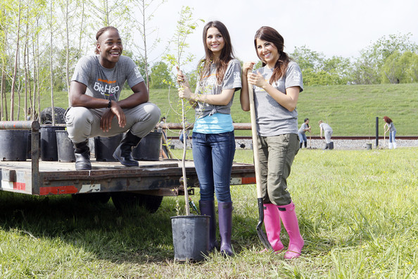 Victoria Justice (L-R) Stars of Nickelodeon's 'Victorious' Leon Thomas, Victoria Justice and Daniella Monet team up for local restoration project in St. Bernard Parish at Docville Property on April 8, 2011 in Violet, Louisiana.