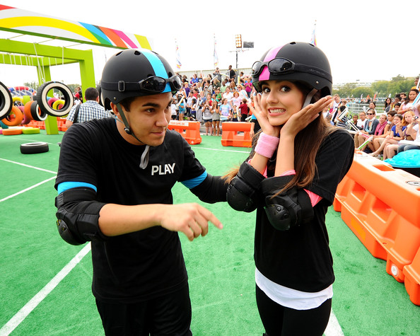 Victoria Justice Carlos Pena and Victoria Justice celebrate Nickelodeon's largest ever Worldwide Day of Play at the Ellipse on September 24, 2011 in Washington, DC.