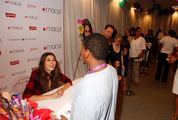 Victoria Justice Actress Victoria Justice signs autographs during Nickelodeon's Big Time Rush & Victoria Justice celebrating Back-To-School at Macy's Herald Square on August 15, 2010 in New York City.