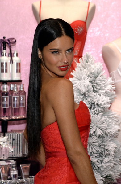 who are the victorias secret angels dating You'll be shocked to see how much these sexy victoria's secret to the victoria's secret angels walking and has been dating fellow model.