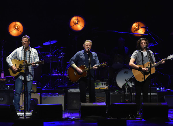 vince gill photos the eagles perform in concert at the grand ole opry nashvile tn 66 of. Black Bedroom Furniture Sets. Home Design Ideas