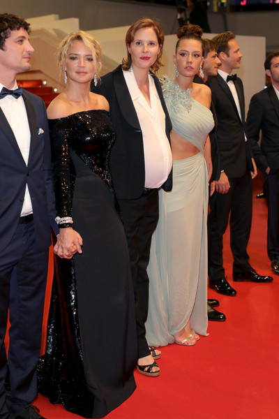 Virginie Efira Niels Schneider Adele Exarchopoulos Justine Triet Virginie Efira And Adele Exarchopoulos Photos Sibyl Red Carpet The 72nd Annual Cannes Film Festival Zimbio