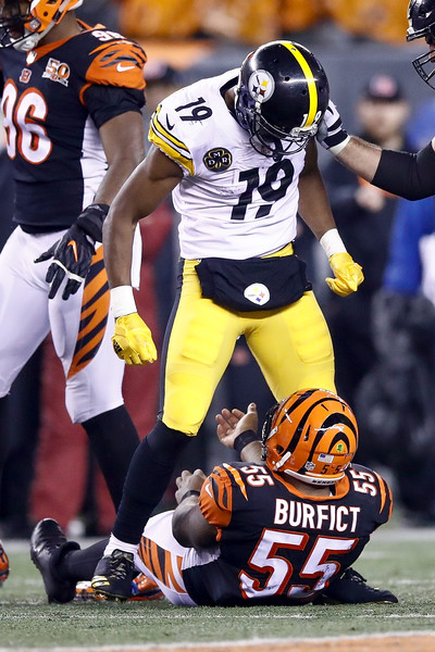 new product f0c27 a5873 Vontaze Burfict Photos Photos - Pittsburgh Steelers v ...