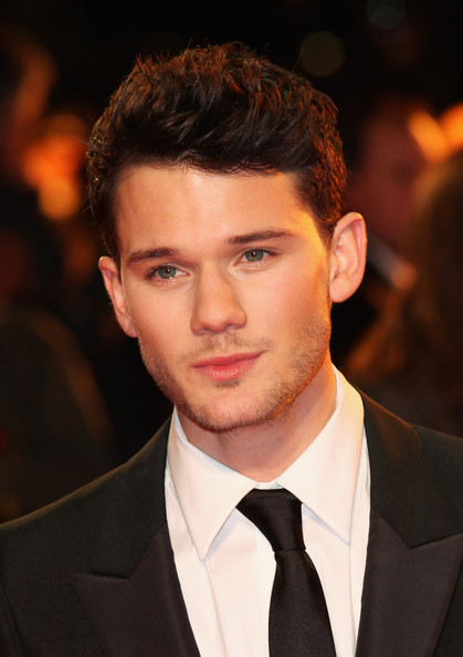 Actor jeremy irvine attends the uk premiere of war horse at odeon