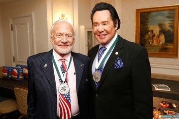 Wayne Newton 31th Annual Great Sports Legends Dinner to Benefit the Buoniconti Fund to Cure Paralysis - Legends Reception