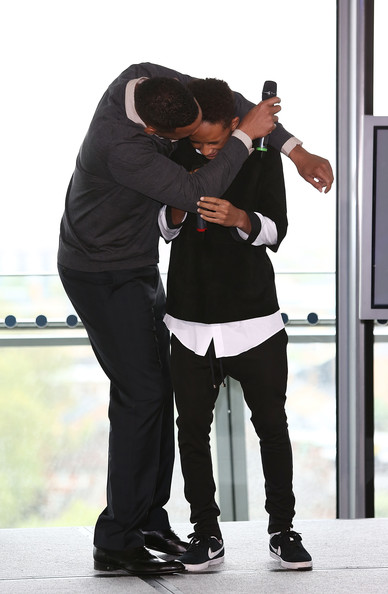 OLD POTRIX BLOG: Will Smith Kisses His son Jaden Smith On ...