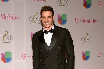 William Levy Premio Lo Nuestro a la Musica Latina 2014 - Arrivals
